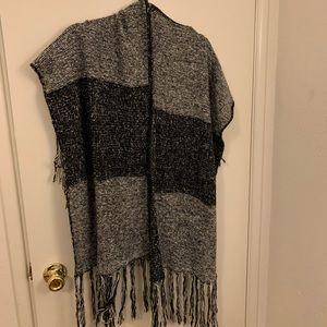 BP by Nordstrom grey/black knit ruana scarf